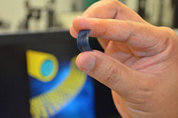 新技术:软性超级电容能为电动车秒充