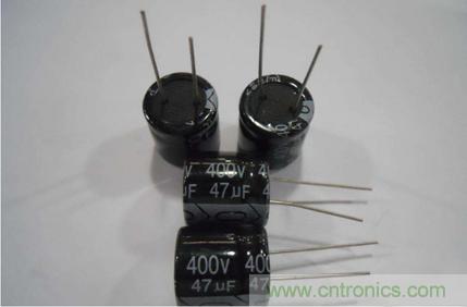 电容器的工作原理及介电材料