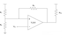 如何解決比較器的振蕩問題?