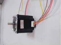 步进电机的运转可用PLC 通过驱动器控制