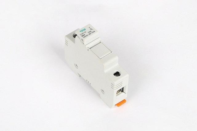 电压互感器的熔断器保护