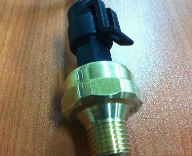 水压传感器的工作原理和作用