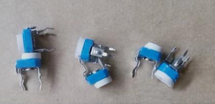 蓝白可调电位器的使用特点和原理解析