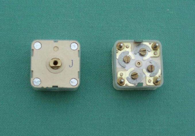 可调电容器的构成及主要参数