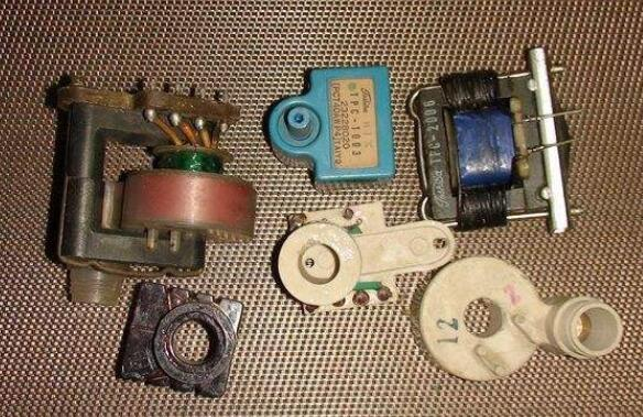 彩电行输出变压器多次击穿的原因