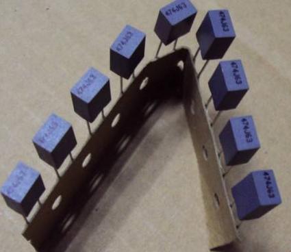影响薄膜电容≡器性能的原因有哪些?