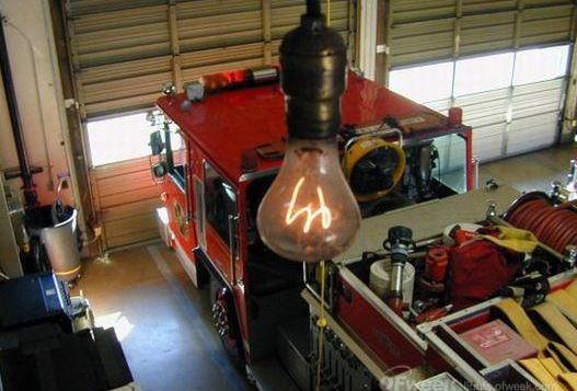 真是醉了,持续工作114年的LED灯如何做到的?