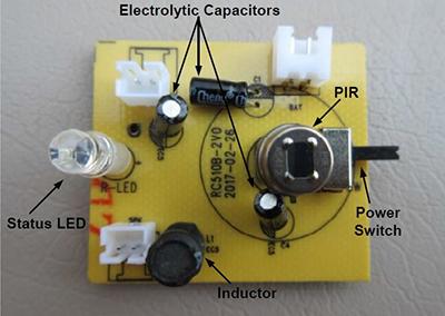 拆解20美金的太阳能超声波驱狗器