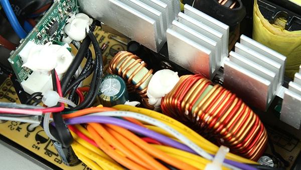 分析隔离电源与非隔离电源的优缺点
