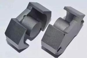 高频磁芯形状对变压器的工作有何影响?