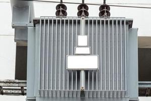 电力变压器分接开关的调节方式