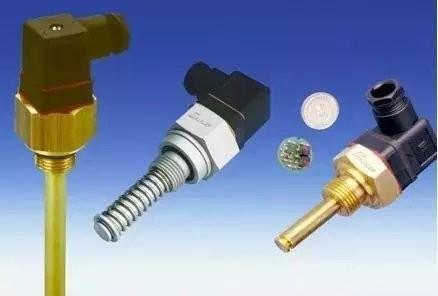 简述温度传感器分类及工作原理