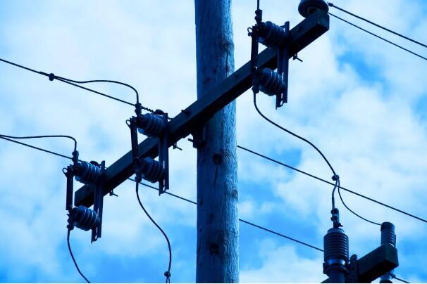 详述电路中VCC、VDD、VEE和VSS的区别
