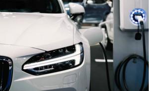 解决混合动力汽车电动汽车中的高压电流感应设计难题