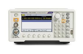 泰克推出高性价比的全新RF信号发生器系列