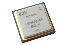 全球首款双通道S波段的宇航应用ADC--EV12AD550A
