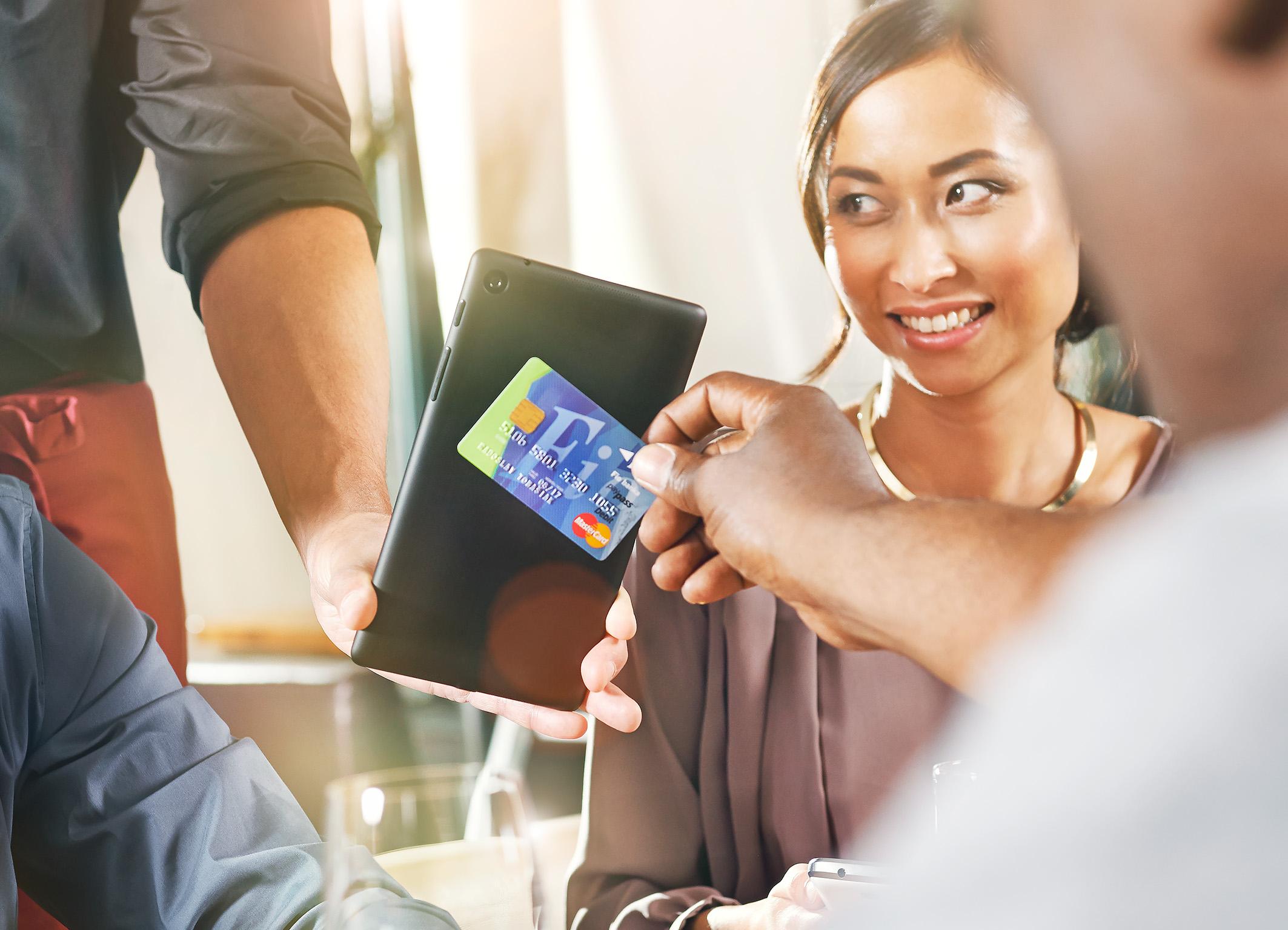 英飞凌科技股份公司推出全新SECORA Pay品牌的解决方案
