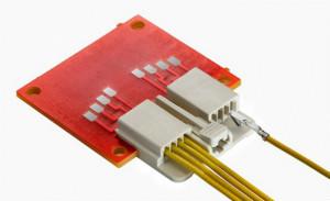 Molex 推出 EdgeLock 线对信号卡连接器