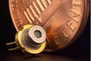 日本九州大学研制出有机半导体激光二极管